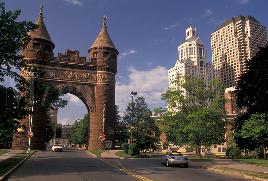 AJ4393, Hartford, arch, downtown, Soldiers and Sailors Memorial, Connecticut, Downtown skyline and Soldiers & Sailors Memorial Arch in Bushnell Park in Hartford in the state of Connecticut.
