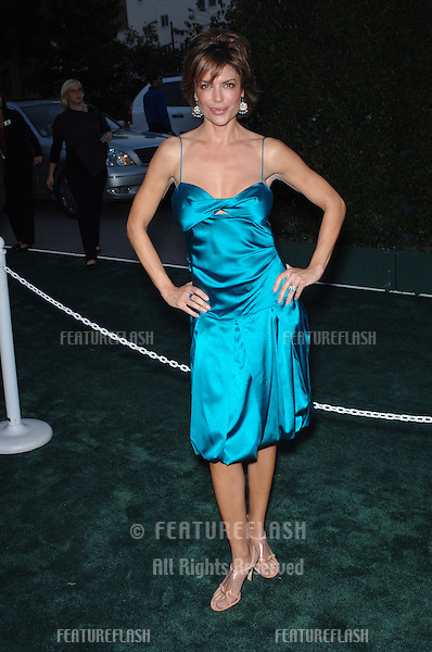 Actress LISA RINNA at the 15th Annual Environmental Media Awards in Los Angeles..October 19, 2005 Los Angeles, CA..© 2005 Paul Smith / Featureflash