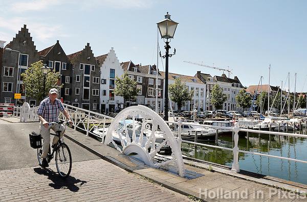 middelburg holland de spijkerbrug in het centrum van netherlands nightlife