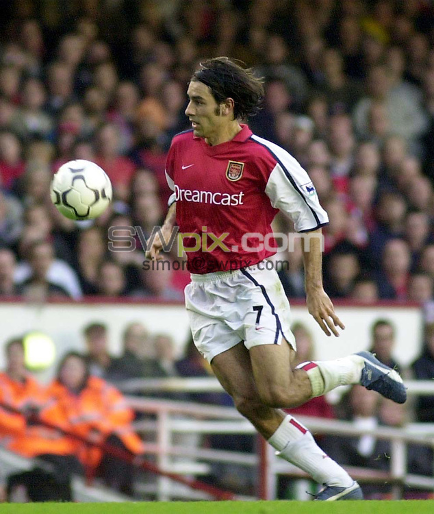 Pix: Dave Winter/SWpix.com. Soccer. FA Barclaycard Premiership. Arsenal v Blackburn Rovers. 12/02/2002...COPYWRIGHT PICTURE>>SIMON WILKINSON>>01943 436649>>..Arsenal's Robert Pires.