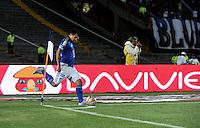 BOGOTA - COLOMBIA -17 -10-2015: Harrison Otalvaro, jugadores de Millonarios, en accion durante partido entre Millonarios y Jaguares FC, por la fecha 16 de la Liga Aguila II-2015, jugado en el estadio Nemesio Camacho El Campin de la ciudad de Bogota. / Harrison Otalvaro, player of Millonarios, in action during a match between Millonarios and Jaguares FC, for the date 16 of the Liga Aguila II-2015 at the Nemesio Camacho El Campin Stadium in Bogota city. Photo: VizzorImage / Luis Ramirez / Staff.