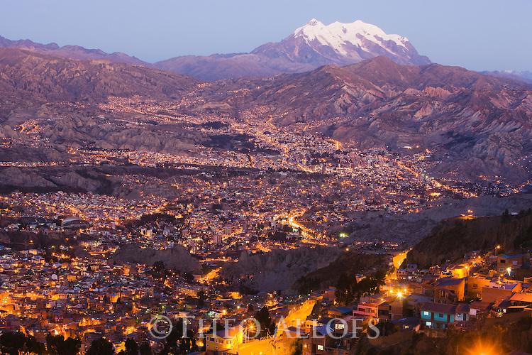 Bolivia, La Paz at dusk
