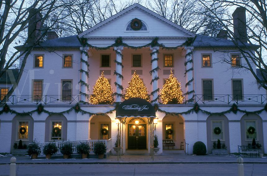 inn, Colonial Williamsburg, Virginia, VA, Williamsburg, Christmas decorations outside Williamsburg Inn in the evening.