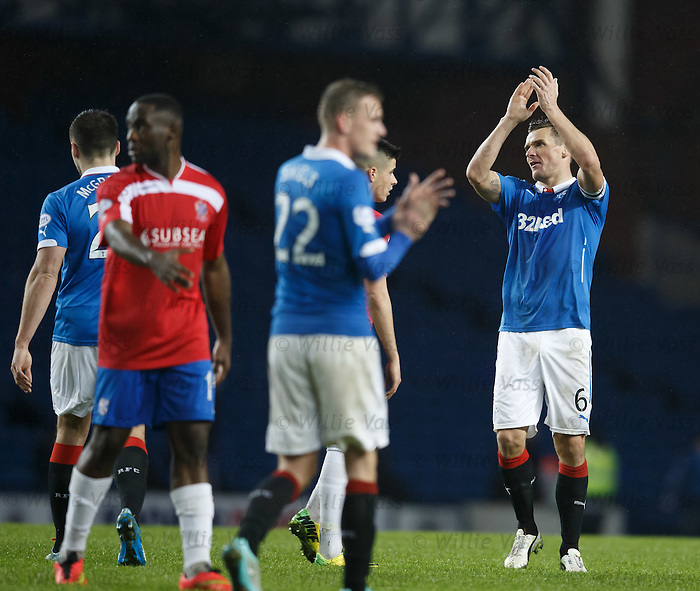 Lee McCulloch gets the Rangers players to applaud the fans after the match