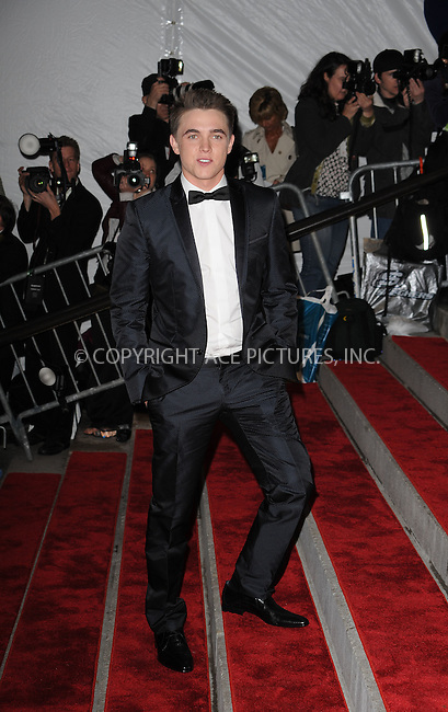 WWW.ACEPIXS.COM . . . . . ....May 4 2009, New York City....Jesse McCartney arriving at 'The Model as Muse: Embodying Fashion' Costume Institute Gala at The Metropolitan Museum of Art on May 4, 2009 in New York City.....Please byline: KRISTIN CALLAHAN - ACEPIXS.COM.. . . . . . ..Ace Pictures, Inc:  ..tel: (212) 243 8787 or (646) 769 0430..e-mail: info@acepixs.com..web: http://www.acepixs.com