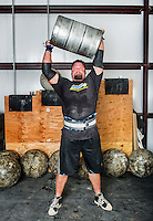 Michael Burke (cq) trains for a strongman competition at Shaw's gym in Frederick, Colorado, Saturday, September 21, 2013. <br /> <br /> Photo by Matt Nager