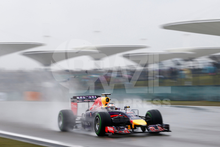 Motorsports: FIA Formula One World Championship 2014, Grand Prix of China, <br /> #1 Sebastian Vettel (GER, Infiniti Red Bull Racing),  *** Local Caption *** © pixathlon
