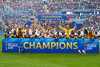 Celebration equipe (USA) avec trophee victorieuse<br /> Lyon 07/07/2019<br /> Football Womens World Cup Final <br /> United States - Netherlands <br /> Photo  Gwendoline LeGoff / Panoramic/Insidefoto <br /> ITALY ONLY