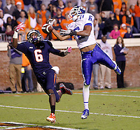Virginia wide receiver Darius Jennings (6) Duke cornerback Ross Cockrell (6) Duke defeated Virginia 35-22 at Scott Stadium in Charlottesville, VA. . Photo/Andrew Shurtleff