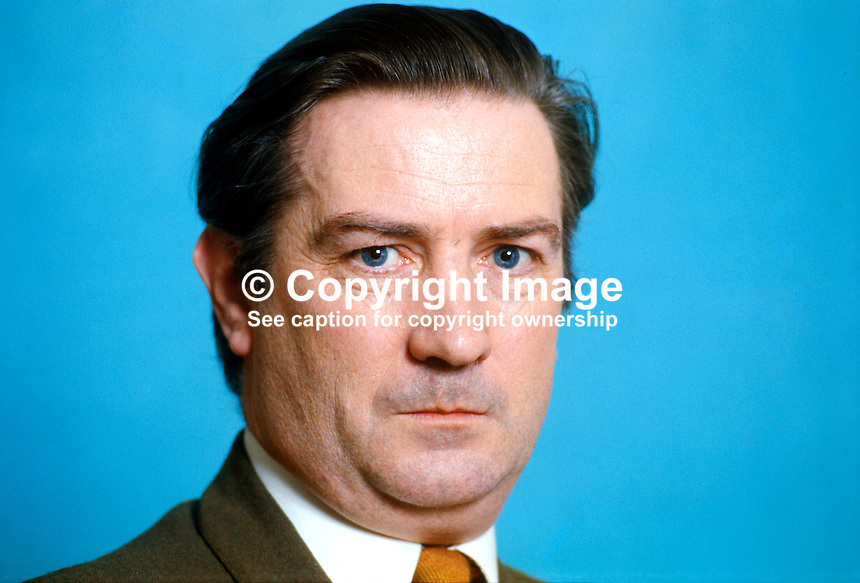 Justin Keating, TD, Fine Gael, Minister for Industry &amp; Commerce, Rep of Ireland, 197503000192JK1.<br />