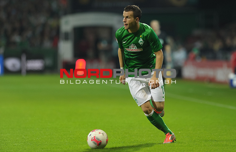 20.10.2012, Weserstadion, Bremen, GER, 1.FBL, Werder Bremen vs Borussia M&ouml;nchengladbach / Moenchengladbach, im Bild Lukas Schmitz (Bremen #13)<br /> <br /> // during the match Werder Bremen vs Borussia Moenchengladbach on 2012/10/20, Weserstadion, Bremen, Germany.<br /> Foto &copy; nph / Frisch *** Local Caption ***