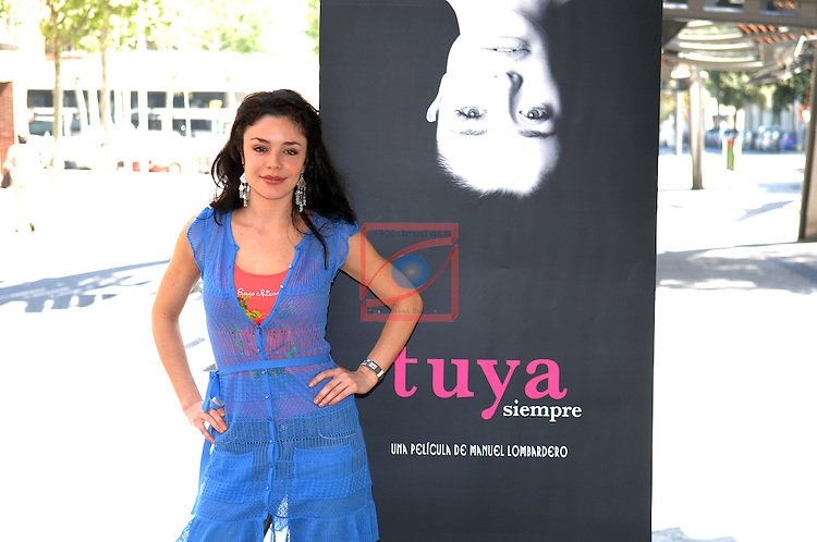 Flora Martinez - TUYA SIEMPRE Photocall in Barcelona.