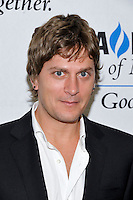 NEW YORK - JULY 12: Musician Rob Thomas attends the UJA-Federation Music Visionary of the Year Award Luncheon at the Pierre Hotel on July 12, 2012 in New York City. (Photo by MPI81/MediaPunchInc) /*NORTEPHOTO*<br />