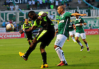 CALI - COLOMBIA -13-07-2016: Mayer Candelo (Der.) jugador de Deportivo Cali disputa el balón con Flavio Cordoba (Izq.) jugador de La Equidad, durante partido entre Deportivo Cali y La Equidad, por la fecha 3 de la Liga Aguila II-2016, jugado en el estadio Deportivo Cali (Palmaseca) de la ciudad de Cali. / Mayer Candelo (R) player of Deportivo Cali vies for the ball with Flavio Cordoba (L) player of La Equidad, during a match between Deportivo Cali and La Equidad for the date 3 for the Liga Aguila II-2016 at the Deportivo Cali (Palmaseca) stadium in Cali city. Photo: VizzorImage  / Nelson Rios / Cont