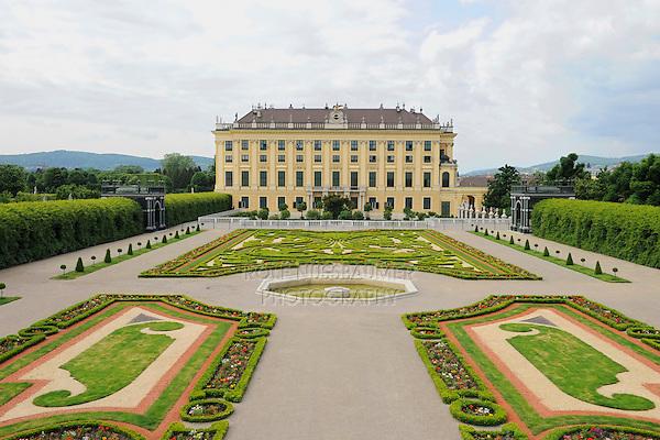 Kaiser park, Schoenbrunn Palace, Vienna, Austria, Europe