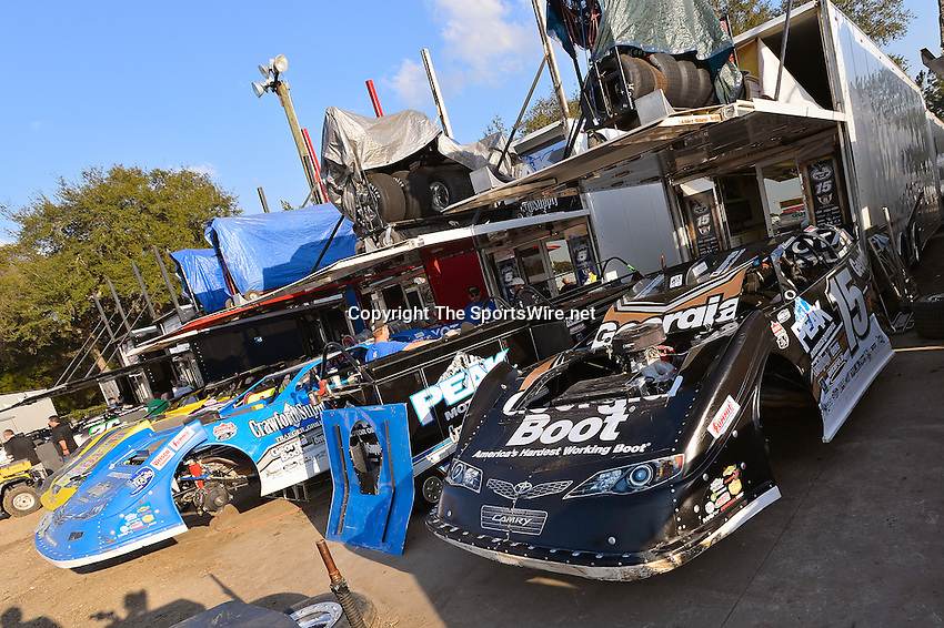Feb 20, 2014; 5:03:34 PM;  Barberville, FL, USA;  World of Outlaws Late Model Series for 43rd Annual DIRTcar Nationals presented by Summit Racing Equipment at Volusia Speedway Park.  Mandatory Credit: (thesportswire.net)