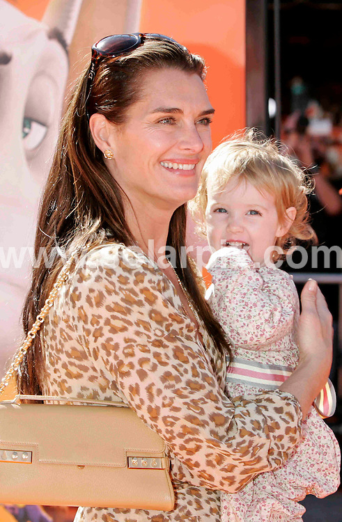 **ALL ROUND PICTURES FROM SOLARPIX.COM**.**SYNDICATION RIGHTS FOR UK AND SPAIN ONLY**.The Dr. Seuss Horton Hears a Who! World Premiere at Mann Village Theatre in Westwood  California held on March 8th 2008 in the USA..This pic:BROOKE SHIELDS,Daughter Grier .JOB REF:5910-CPR        DATE:08_03_08.**MUST CREDIT SOLARPIX.COM OR DOUBLE FEE WILL BE CHARGED* *UNDER NO CIRCUMSTANCES IS THIS IMAGE TO BE REPRODUCED FOR ANY ONLINE EDITION WITHOUT PRIOR PERMISSION*