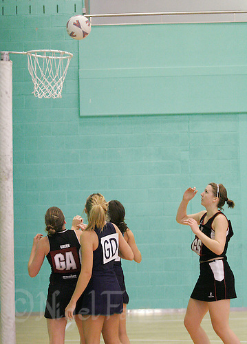 17 OCT 2007 - LOUGHBOROUGH, UK - Loughborough University Womens 1 v Nottingham University Womens 1 - BUSA Netball Fixture (PHOTO (C) NIGEL FARROW)