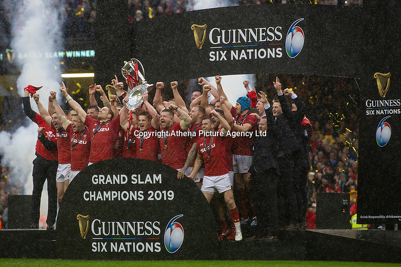 Pictured: The Welsh team celebrate winning the Grand Slam during the Guinness six nations match between Wales and Ireland at the Principality Stadium, Cardiff, Wales, UK.<br /> Saturday 16 March 2019