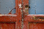 via santa apollinare porte, portoni, maniglie e serrature di sassari, Italia<br />