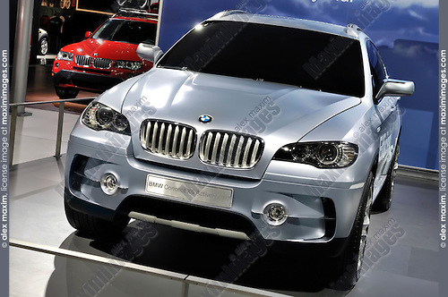 BMW X6 Concept SUV Active Hybrid at Toronto auto show 2008 Canada