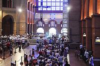 ATENÇÃO EDITOR: FOTO EMBARGADA PARA VEÍCULOS INTERNACIONAIS. - APARECIDA, SP, 27 DEZEMBRO 2012 - MOVIMENTO FIEIS APARECIDA -  Movimento de fieis na Basilica de Aparecida nesta quinta-feiram 27. FOTO:  ADRIANO LIMA / BRAZIL PHOTO PRESS).