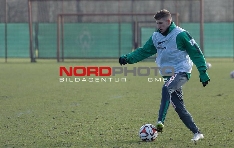 22.02.2015, Trainingsgelaende, Bremen, GER, 1.FBL, Training Werder Bremen, im Bild Levent Aycicek (Bremen #21)<br /> <br /> Foto &copy; nordphoto / Frisch