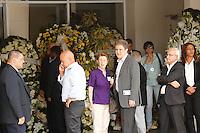 SAO PAULO. SP. 03.04.2015 - VELORIO THOMAZ ALCKMIN. A ex secretaria de educação Rose Neubauer durante  o velório do filho do governador Geraldo Alckmin, Thomaz Alckmin, no hospital Albert Einstein em São Paulo, na tarde desta sexta-feira (04), na zona sul de São Paulo (Foto: Adriana Spaca / Brazil Photo Press)