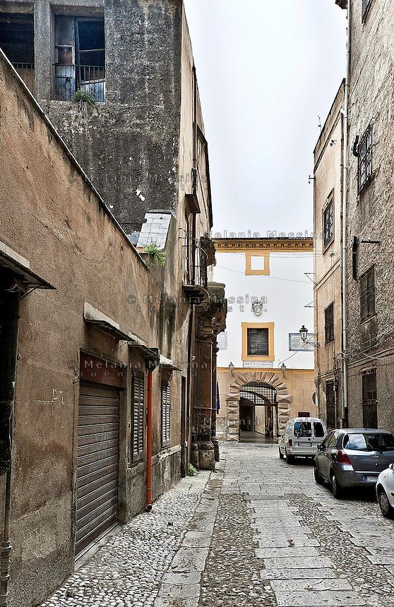 Palermo:Lampedusa alley, where once  was the residence of Tomasi di Lampedusa in the direction of Branciforte palace.<br /> <br /> Palermo: via Lampedusa, dove una volta sorgeva la dimora di Tomasi di Lampedusa in direzione Palazzo Branciforte.