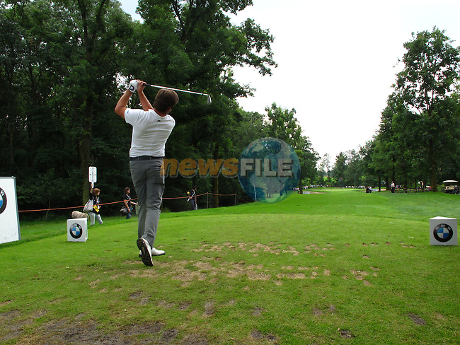 Robert Rock (ENG) tees off on the par3 15th tee during Day 2 of the BMW Italian Open at Royal Park I Roveri, Turin, Italy, 10th June 2011 (Photo Eoin Clarke/Golffile 2011)