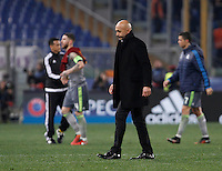 Calcio, andata degli ottavi di finale di Champions League: Roma vs Real Madrid. Roma, stadio Olimpico, 17 febbraio 2016.<br /> Roma's coach Luciano Spalletti leaves the pitch at the end of the first leg round of 16 Champions League football match between Roma and Real Madrid, at Rome's Olympic stadium, 17 February 2016. Real Madrid won 2-0.<br /> UPDATE IMAGES PRESS/Isabella Bonotto