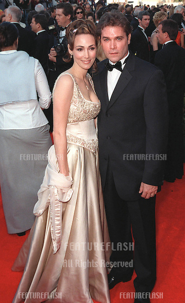 07MAR99: Actor RAY LIOTTA & wife at the Screen Actors Guild Awards..© Paul Smith / Featureflash