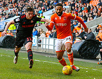 Blackpool's Liam Feeney takes on Sunderland's Lynden Gooch<br /> <br /> Photographer Alex Dodd/CameraSport<br /> <br /> The EFL Sky Bet League One - Blackpool v Sunderland - Tuesday 1st January 2019 - Bloomfield Road - Blackpool<br /> <br /> World Copyright © 2019 CameraSport. All rights reserved. 43 Linden Ave. Countesthorpe. Leicester. England. LE8 5PG - Tel: +44 (0) 116 277 4147 - admin@camerasport.com - www.camerasport.com