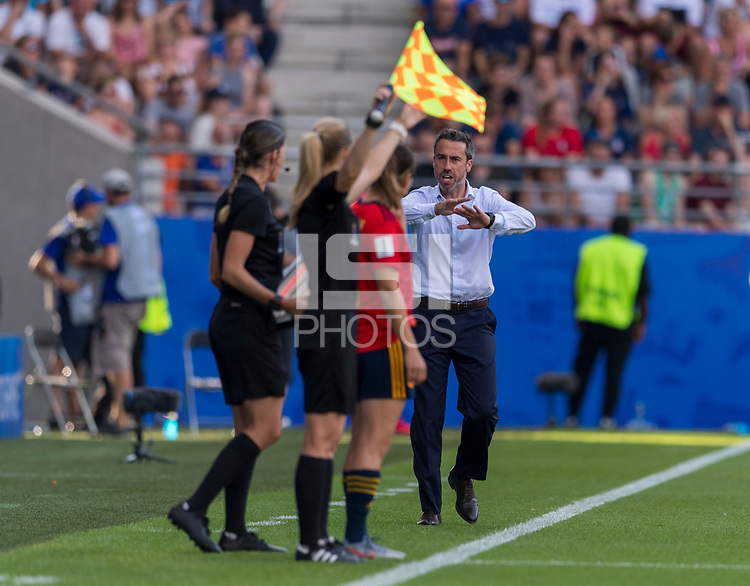 REIMS,  - JUNE 24: JJorge Vilda yells to the referee during a game between NT v Spain and  at Stade Auguste Delaune on June 24, 2019 in Reims, France.