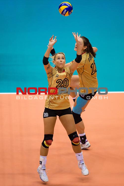05.10.2014, Pala Trieste, Triest<br /> Volleyball, FIVB Volleyball Women`s World Championship 2014, 2. Runde, Deutschland (GER) vs. Aserbaidschan (AZE)<br /> <br /> Zuspiel Mareen Apitz (#20 GER), Christiane F&uuml;rst / Fuerst (#11 GER)<br /> <br />   Foto &copy; nordphoto / Kurth