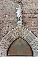 Dettaglio della facciata della Basilica di Santa Maria Gloriosa dei Frari a Venezia.<br /> Exterior detail of the Basilica di Santa Maria Gloriosa dei Frari in Venice.<br /> UPDATE IMAGES PRESS/Riccardo De Luca