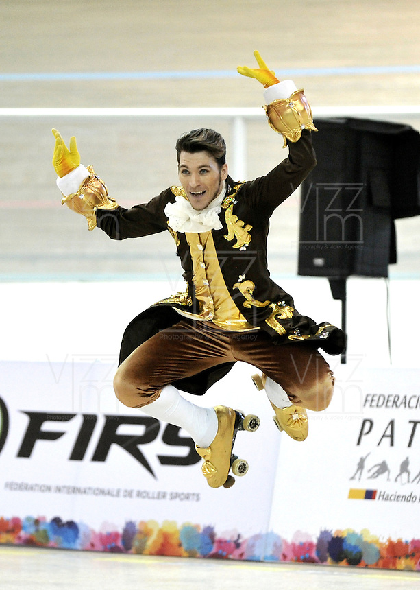 CALI – COLOMBIA – 22 – 09 – 2015: Augustin Revuelto, deportista de Argentina, Solo Danza Mayores Varones en el LX Campeonato Mundial de Patinaje Artistico, en el Velodromo Alcides Nieto Patiño de la ciudad de Cali. / Augustin Revuelto, sportman from Argentina, during the Senior Solo Dance Men, in the LX World Championships Figure Skating, at the Alcides Nieto Patiño Velodrome in Cali City. Photo: VizzorImage / Luis Ramirez / Staff.