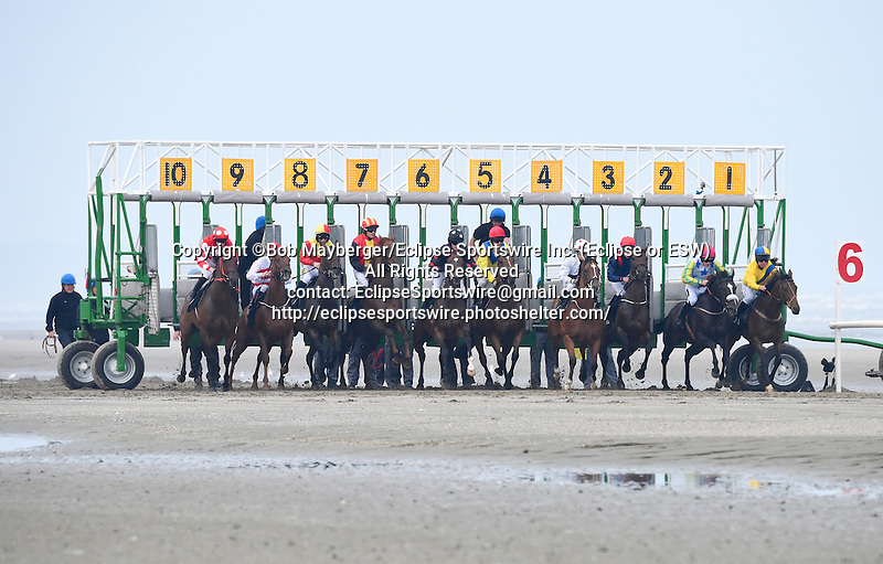 Scenes from around the track on September 10, 2015 at Laytown Strand Beach in Laytown, Ireland. (Bob Mayberger/Eclipse Sportswire)
