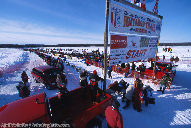 Jason Halseth Leaving Willow Restart Iditarod 2001