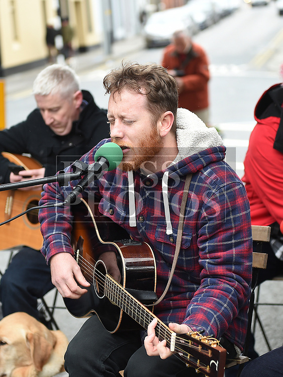 Anthony Grafton singing at the Music at the Gate. Photo:Colin Bell/pressphotos.ie