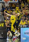 13.01.2019, EWE Arena, Oldenburg, GER, easy Credit-BBL, EWE Baskets Oldenburg vs Alba Berlin, im Bild<br /> unter dem Korb<br /> Marko BACAK (EWE Baskets Oldenburg #13 )<br /> Martin HERMANNSSON ( Alba Berlin #15 )<br /> Foto © nordphoto / Rojahn