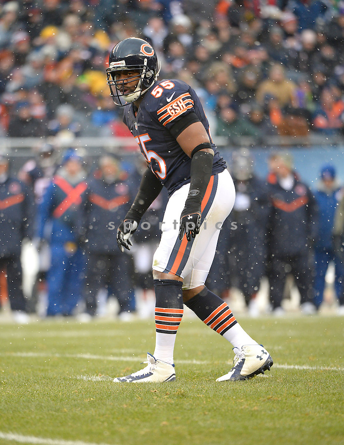 Chicago Bears Lance Briggs (55) during a game against the Minnesota Vikings on November 16, 2014 at Soldier Field in Chicago, IL. The Bears beat the Vikings 21-13.