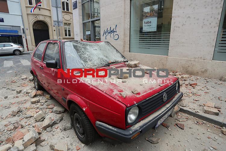22.03.2020., Croatia, Zagreb Zwei Erdbeben haben in der kroatischen Hauptstadt Zagreb Dutzende Menschen verletzt und schwere Schäden angerichtet. Die mittelstarken Erdstöße erfolgten in einer Abfolge von etwas mehr als einer halben Stunde. Das European-Mediterranean Seismological Centre (EMSC) gab die Stärke des ersten Bebens um 6.24 Uhr am Sonntagmorgen mit 5,4, die des zweiten Bebens um 7.01 Uhr mit 5,0 an. Die Zentren der beiden Beben lagen sieben beziehungsweise zehn Kilometer nördlich von Zagreb. Es war das schwerste Beben, welches das EU-Land Kroatien seit 140 Jahren heimsuchte. Photo: nordphoto / Sanjin Strukic/PIXSELL