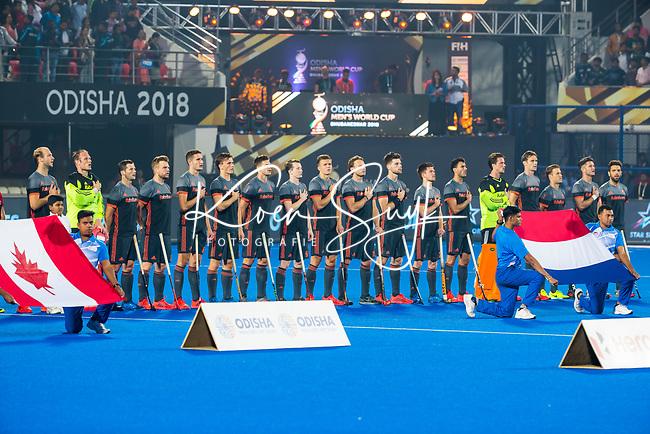 BHUBANESWAR (INDIA) - Nederland team tijdens het volkslied voor Nederland-Canada bij het WK Hockey heren. COPYRIGHT KOEN SUYK
