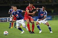BOGOTÁ - COLOMBIA, 1-09-2018:Ayron Del Valle (Izq.) y Cesar Carrillo (Der) jugadores de Millonarios disputan el balón con Jhonny Vasquez (Centro) jugador del  Rionegro durante partido por la fecha 7 de la Liga Águila II 2018 jugado en el estadio Nemesio Camacho El Campín de la ciudad de Bogotá. /Ayron Del Valle (L) and Cesar Carrillo (R)players of Millonarios  fights for the ball with Jhonny Vasquez (C) player of Rionegro during the match for the date 7 of the Liga Aguila II 2018 played at the Nemesio Camacho El Campin Stadium in Bogota city. Photo: VizzorImage / Felipe Caicedo / Staff.