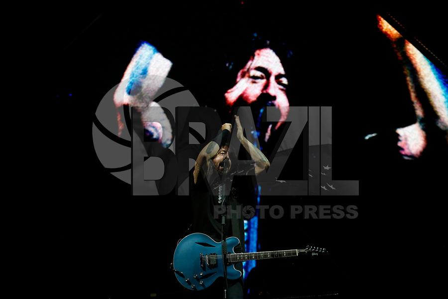 CURITIBA,PR, 02.03.2019 – FOO FIGHTERS -PR - O cantor Dave Grohl da banda Foo Fighters durante show durante o show, na Pedreira Paulo Leminski em Curitiba (PR) na noite desta sexta-feira (02). (Foto: Paulo Lisboa /Brazil Photo Press)