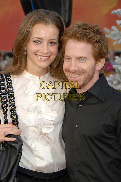 "CANDACE BAILEY & SETH GREEN.""Fred Claus"" Los Angeles Premiere at Grauman's Chinese Theatre, Hollywood, California, USA, 3 November 2007..half length.CAP/ADM/BP.©Byron Purvis/AdMedia/Capital Pictures."