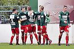 2015-10-18 / voetbal / seizoen 2015-2016 / Witgoor Dessel - Houtvenne / Ief Van Gansen (2e van links) (Houtvenne) heeft de 1-2 gemaakt en wordt gefeliciteerd door zijn ploegmaats
