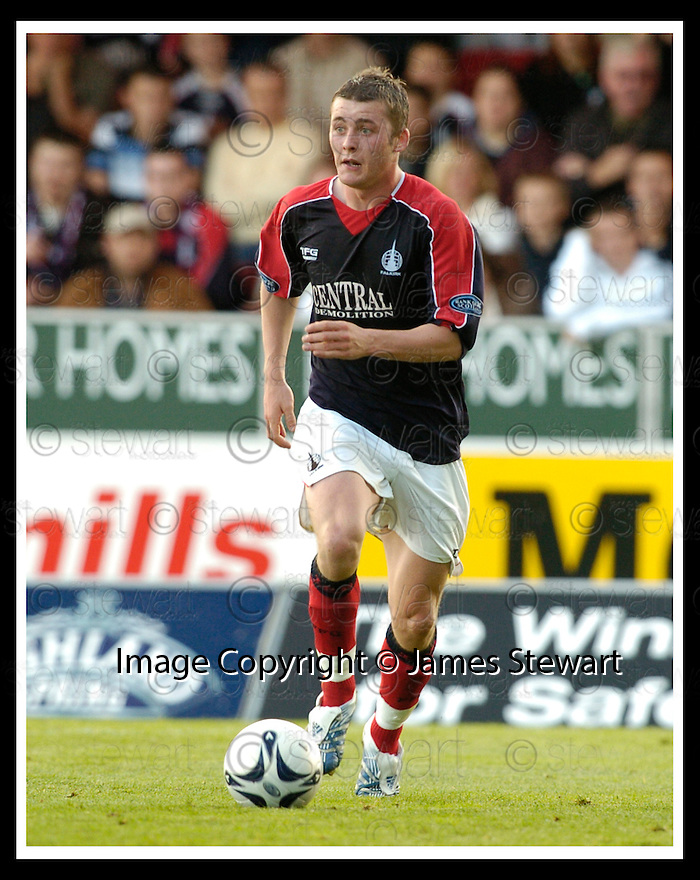 01/10/2006       Copyright Pic: James Stewart.File Name :sct_jspa23_falkirk_v_celtic.FALKIRK FC :: THOMAS SCOBBIE.....Payments to :.James Stewart Photo Agency 19 Carronlea Drive, Falkirk. FK2 8DN      Vat Reg No. 607 6932 25.Office     : +44 (0)1324 570906     .Mobile   : +44 (0)7721 416997.Fax         : +44 (0)1324 570906.E-mail  :  jim@jspa.co.uk.If you require further information then contact Jim Stewart on any of the numbers above.........