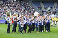 VOETBAL: HEERENVEEN, 18-08-2013, SC Heerenveen - Heracles 2-4, Friesvolkslied muziek, ©foto Martin de Jong